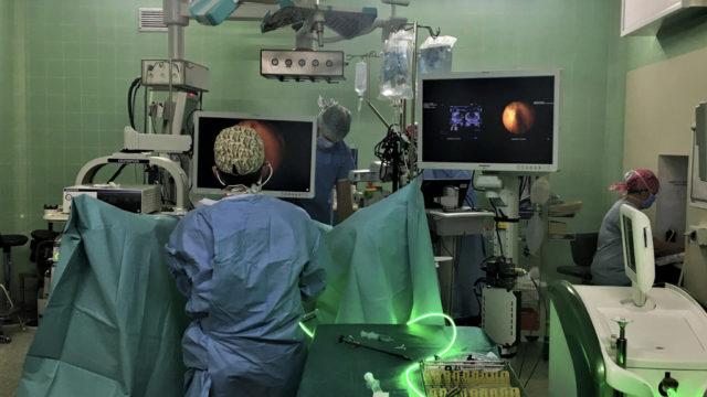 BCom_CHU_Rennes_vido_chirurgie_1eremondiale.jpeg