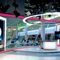 1_-samsung-TV-studio.jpg