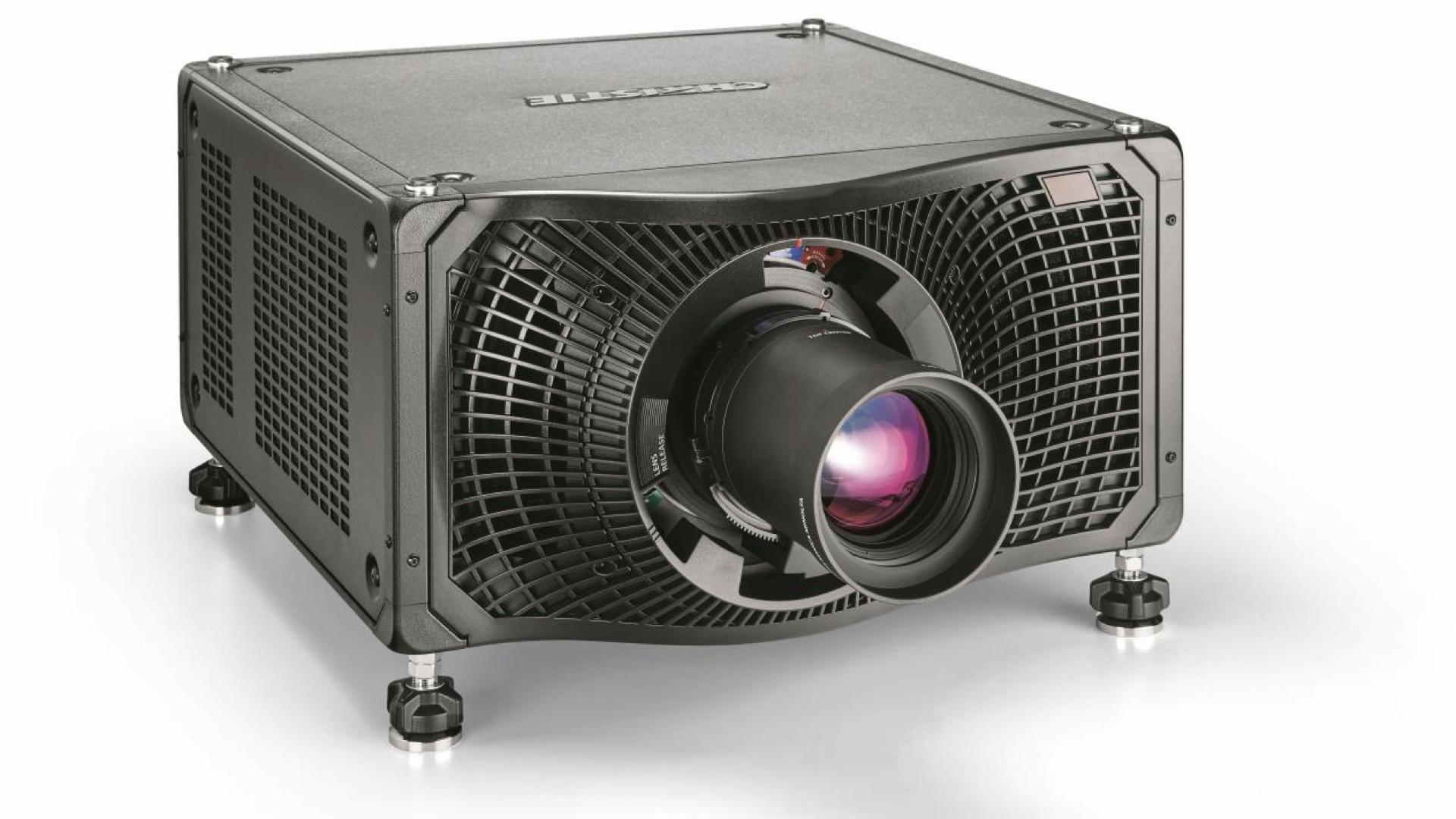 Christie élargit sa gamme de projecteurs au laser pur RVB avec le Mirage SST à 50 000 lumens © DR