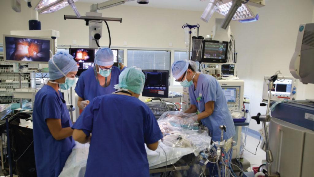 Imagemédia a sélectionné les caméras robotisées Panasonic Business pour une intervention chirurgicale unique © DR