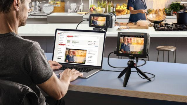 Les connexions USB prennent en charge la webcam pour une utilisation avec un logiciel de streaming ou pour envoyer des vidéos live aux utilisateurs via Skype et Zoom © DR