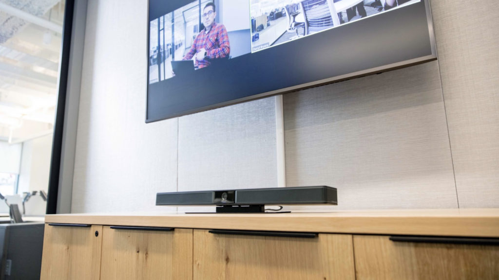 Une barre de son de conférence USB tout-en-un chez Bose © DR