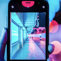 Affichage dynamique : LG et la start-up française ODIHO présentent une solution innovante © Photo by Lewis Nguyen on Unsplash