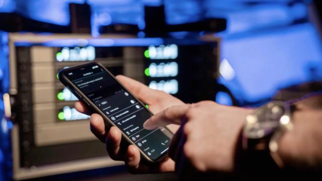Grâce à la technologie d'autres produits de pointe de Sennheiser, inutile d'effectuer des calculs de fréquences. Quel que soit le contexte, l'appli scanne l'environnement à la recherche de fréquences libres © DR